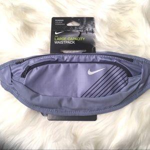 Nike Large Capacity waistpack 2 large zip pockets
